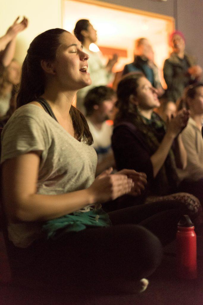 kirtan mantra chanting meditation